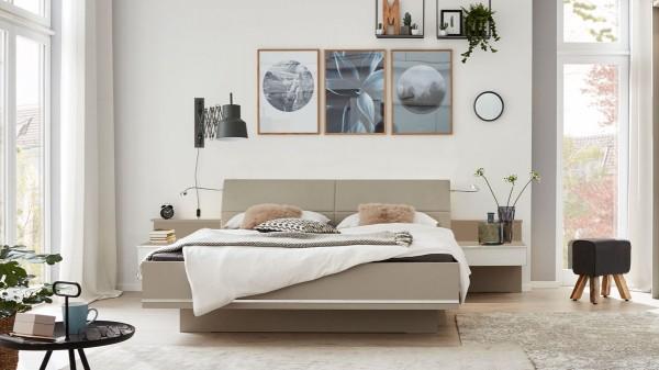 Interliving Schlafzimmer Serie 1009 - Doppelbettgestell mit Nachtkonsolen